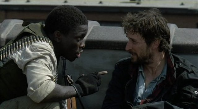 Falling Skies S1x03 - Anthony and Tom prepare
