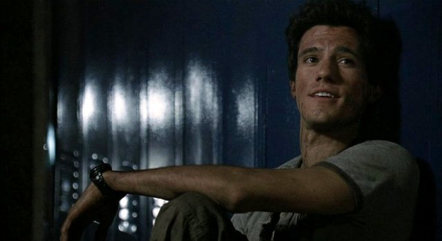 Falling Skies S1x05 - Young love Hal looks at Margaret