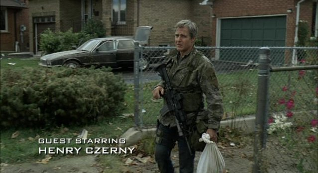 Falling Skies S1x06 - Henry Czerny as Lt. Terry Clayton