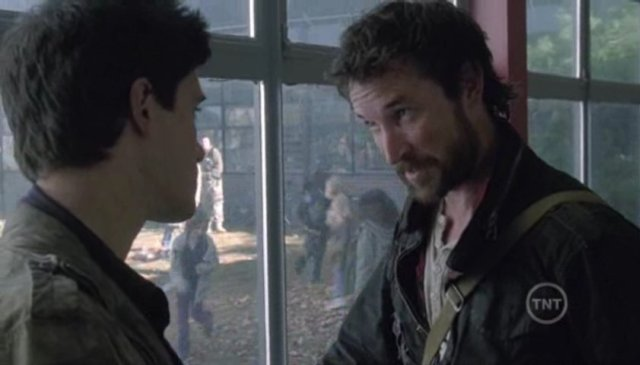 Falling Skies S1x09  - Father Tom Mason and Son Hal