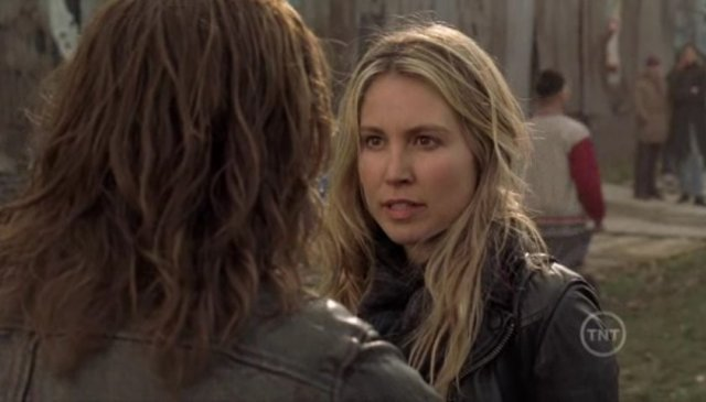 Falling Skies S1x09  - Sarah Sanguine Carter as Margaret
