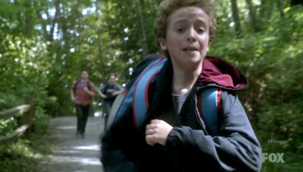 Fringe S4x03 - Being chased by bullies!
