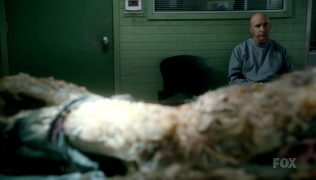 Fringe S4x03 - You going to eat that?