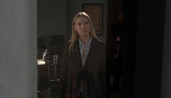 Fringe S1 Olivia looks out Twin Towers
