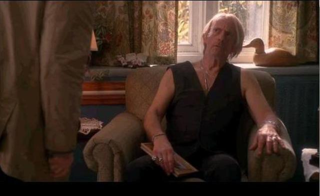 Fringe S3x10 The Firefly - Christopher Lloyd as Rosco