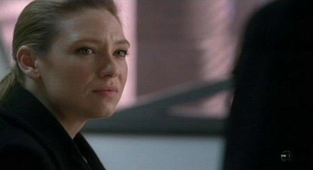 Fringe S3x12 - Olivia wonders who Peter will choose