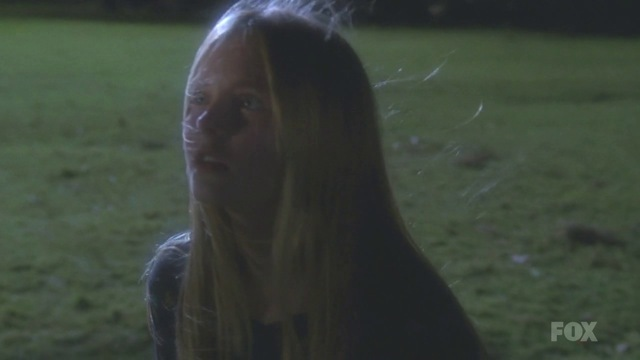 Fringe S3x15 - A terrified young Olivia crosses over