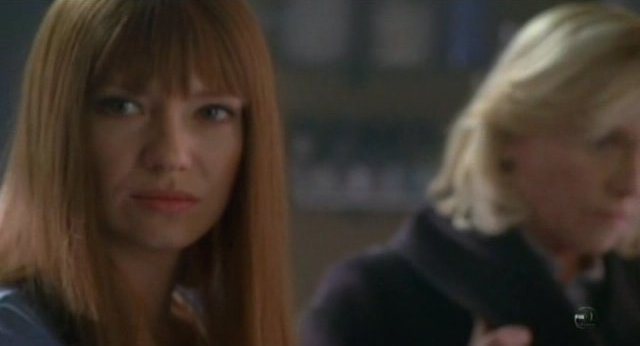 Fringe S3x18 - Daugther Anna Torv and Mother Amy Madigan