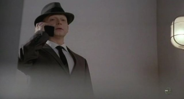 Fringe S3x18 - The Observer is seen again!