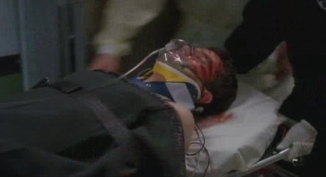 Fringe S3x20 - Peter is rushed to hospital