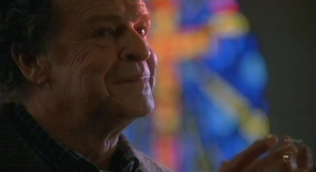 Fringe S3x20 - Walter prays