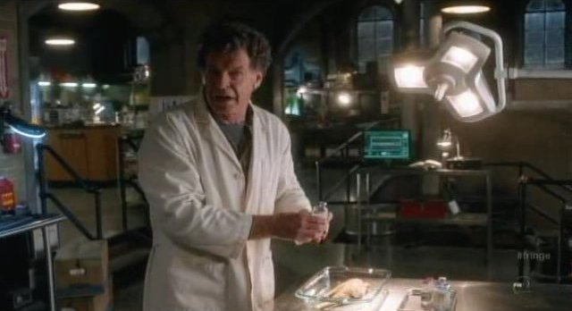 Fringe S4x01 - Walter back at work in the crime lab