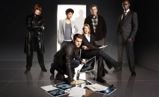 Fringe Season 3 Group Photo