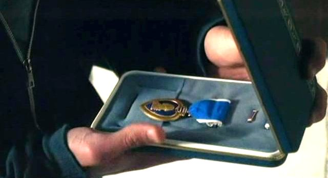 Haven S2x08 - Henrys prize possession his Dad's medal