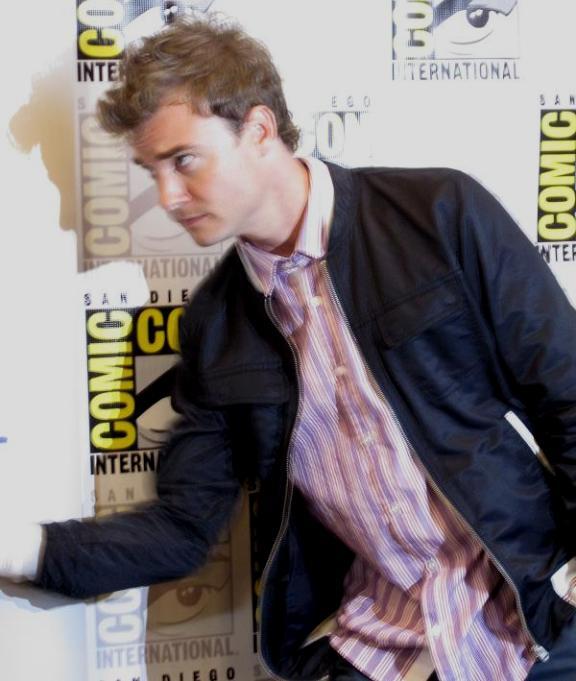Comic-Con 2010 Robin Dunne in Press Room!