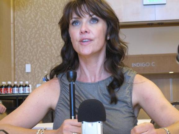 Comic-Con 2010 Amanda Tapping Red Carpet interview