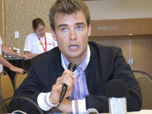 Comic-Con 2010 Robin Dunne Red Carpet Interview