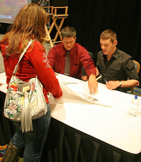 """Whovian99 at """"auto"""" table with Brian J. Smith!"""