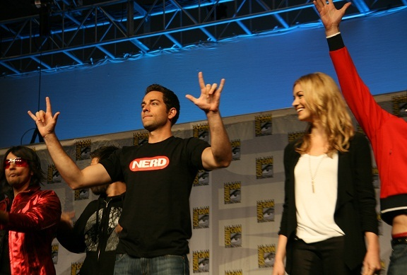 Comic-Con 2010 - Chuck Cast as fans goes wild!