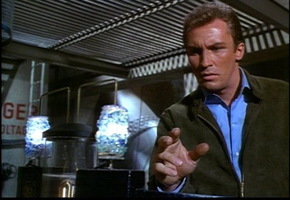 The Invaders Roy Thinnes at Alien Lab