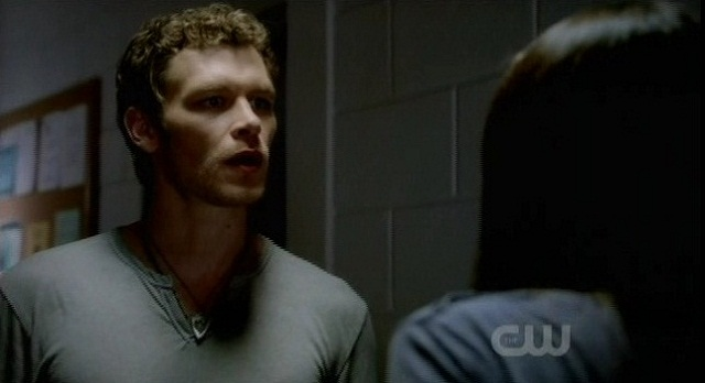 The Vampire Diaries 3x05 Klaus grabs Elena