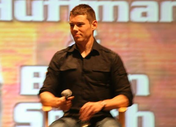 MinCon 2010 - SGU Star Brian J Smith!