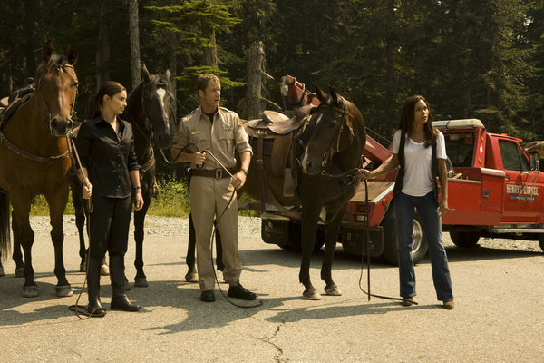 Eureka S4x01 Cast - Image courtesy Syfy and NBC Universal