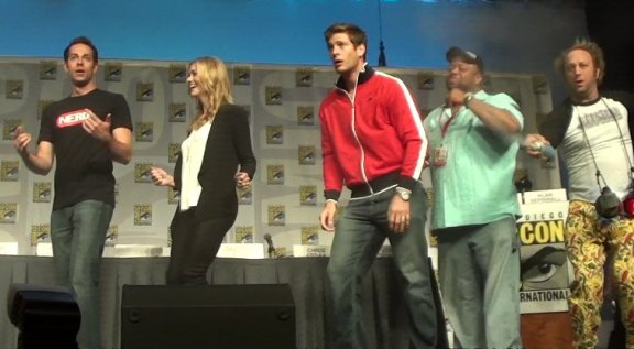 Comic-Con 2010 - Chuck cast dances to Gaga!