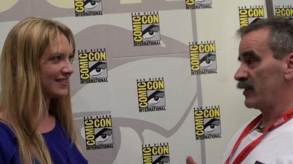 Comic-Con Anna Torv and Kenn on Fringe Red Carpet