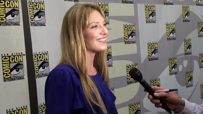 Comic-Con 2010 Anna Torv on the Red Carpet