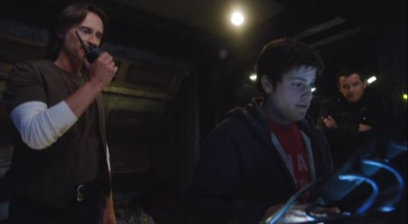 SGU S1x12 Divided In Control Room Kino on hunt