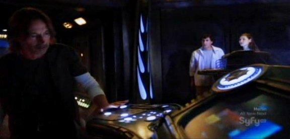 SGU S1x13 Faith - Carlyle Kelamis Spence in control room