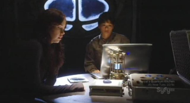 SGU S2x14 - Chloe with stones before being a host