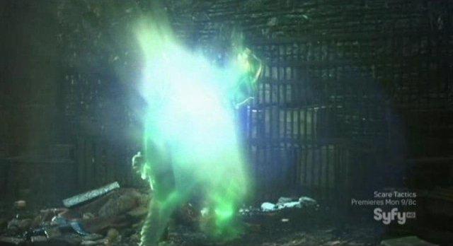 Sanctuary S4x01 - 20th century Adam is vaporized