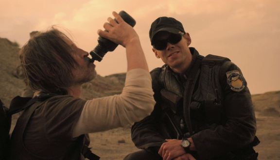 SGU Malice S2x08 Rush returns to the gate
