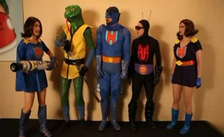 Shelf Life S2x10 - The action figure cast comes to life