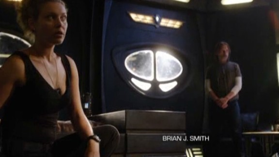 SGU S2x08 Malice - Alaina Huffman as TJ with Col. Young