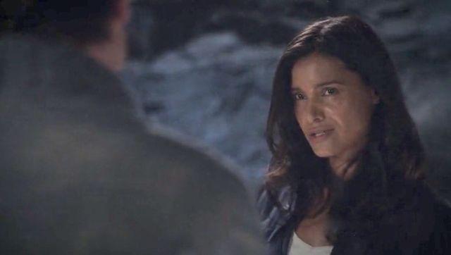 "Terra Nova S01x03 ""What Remains"" Elisabeth Forgets"