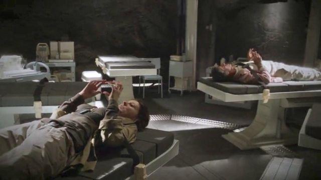 "Terra Nova S01x03 ""What Remains"" Infirmary"