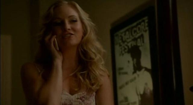 The Vampire Diaries 3x04 Caroline on phone