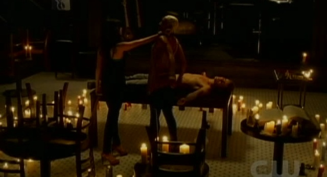 The Vampire Diaries 3x04 Katherine stabs Gloria