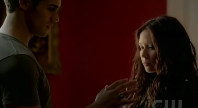 The Vampire Diaries 3x04 Jeremy and Anna touch