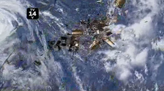 The Event S1x11 - Satellite becomes debris