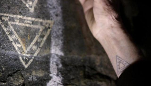 The Event S1x15 - The tattoo on Dempsey