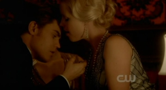 The Vampire Diaries S3x03 Stefan sees the locket