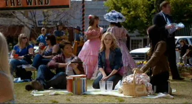 The Vampire Diaries S2x22 - The party is about to begin
