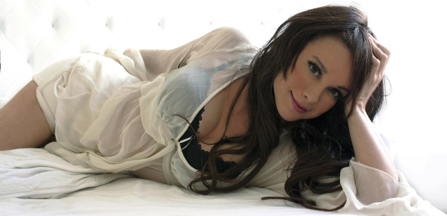 Visit and learn more abouty Chase Masterson at her official web site!