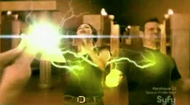 Warehouse 13 S2x11 - Myka and Peter Stunned