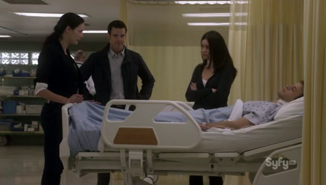 Warehouse 13 S3x10 Amy and Paul in Hospital