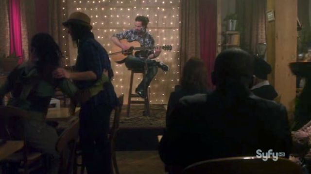 Warehouse 13 S3x06 In Cafe